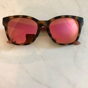 💕 Pink/tortoise reflective shades 💕